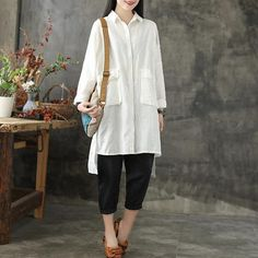 Choose from BUYKUD's collection of women's shirts and blouses, which perfect loose fitting blouse for women. Linen Company, Loose Tops, Elegant Outfit, Cotton Linen, Sleeve Styles, Blouses For Women, Casual Shirts, Mac, Female