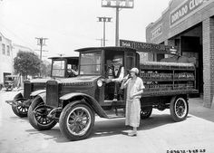 A 1925 publicity photograph showing an Orange Crush delivery truck, Chicago