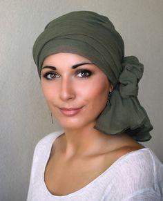 Olive Green Cotton Gauze Turban Hat Head Wrap Chemo por TurbanDiva