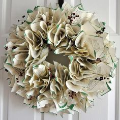 Looking for an easy DIY holiday wreath idea? Decorate your home for the holidays this year with this eye-catching easy to make Christmas book page wreath. Easy Craft Projects, Crafts To Make And Sell, How To Make Wreaths, Christmas Books, Christmas Projects, Christmas Holidays, Book Page Wreath, Sister Crafts, Ribbon Bookmarks