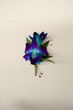Orchid boutonniere http://www.caseysgardenshop.com/
