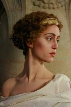 ornamentedbeing: I'm interrupting my current posting to share these amazing photos by the Dresden Academy of Fine Arts in Germany! See more of these amazing photos here. These are so excellent! Grecian Hairstyles, Roman Hairstyles, Roman Clothes, Historical Hairstyles, Roman Fashion, Greek Gods, Ancient Greece, Character Inspiration, Portrait Photography