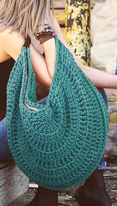 Page Knitting Large Handbag Pattern idea Carefully Crafted Beautiful Crochet Bag Models. Page Knitting Large Handbag Pattern idea,Häkeltaschen! Are you interested in crochet bag models? Free Crochet Bag, Crochet Market Bag, Crochet Tote, Crochet Handbags, Crochet Purses, Crochet Crafts, Plastic Bag Crochet, Diy Crafts, Bag Pattern Free