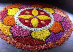 Here are some very beautiful flower rangoli designs for Diwali, Onam, Pongal, and Durga puja. Flower rangoli are easy to make and very gorgeous to look at. Indian Rangoli Designs, Rangoli Designs Flower, Colorful Rangoli Designs, Rangoli Designs Images, Flower Rangoli, Beautiful Rangoli Designs, Flower Designs, Rangoli Colours, Rangoli Patterns