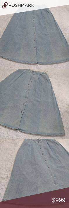 """ℓαυяαитє ιтαℓу • νιитαgє мαχι ѕкιят Laurante Italy * size 12 * vintage skirt * denim / jean * light blue wash / blue buttons * button down front * elastic back waist * a-line high-rise maxi  * pleated at front waist * 2 deep side pockets * 100% cotton * length = 32.5"""" * excellent vintage condition - only flaw is a rip that needs to be seen near the very bottom button - is not visible & does not affect being able to button that button  * prairie * modest * modesty * long * chambray  * trend…"""