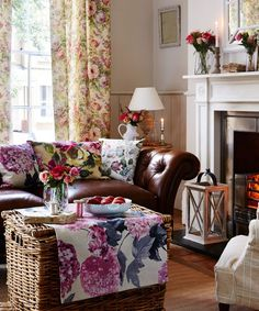 Neutral-living-room-with-vintage-floral-fabrics