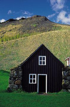 Iceland Saga Travel - Ring Road Itinerary