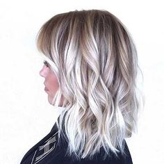 The balayage hair and the short blonde hairstyles are the hottest topics in this year! You can see the balayage hair everywhere now. Ombre hair is trendy. Balayage Blond, Baylage Blonde, Blonde Lob, Ice Blonde Hair, Wavy Lob, Balayage Highlights, Silver Hair, Hair Looks, Hair Lengths