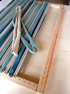 Try This: Handmade RugYou can find Handmade rugs and more on our website.Try This: Handmade Rug Rug Loom, Loom Weaving, Tapetes Diy, Rag Rug Diy, Homemade Rugs, Rag Rug Tutorial, Crochet Rug Patterns, Crochet Rugs, Diy Crochet