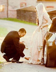 I love watching pictures of Halal Love / Cute Muslim Romantic Couples Photos holding hands and being happy. It makes me realize that true and meaningful love Cute Muslim Couples, Romantic Couples, Cute Couples, Muslim Couple Quotes, Romantic Weddings, Desi Wedding, Wedding Pics, Wedding Ideas, Wedding Hijab