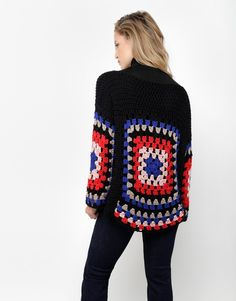 Get the ultimate breezy boho look in the Dot Cotton Sweater. Featuring an airy open stitch and large multi-coloured square motifs, the Dot Cotton Sweater is. Crochet Bolero, Cardigan Au Crochet, Pull Crochet, Mode Crochet, Crochet Coat, Crochet Motifs, Crochet Jacket, Crochet Cardigan, Crochet Granny