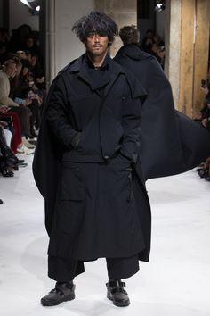 Défilé Yohji Yamamoto Automne-hiver 2017-2018 43