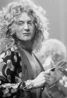 Robert Plant on stage with LedZeppelin, 1975.