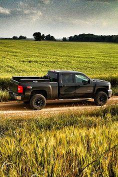 I'm not a big fan of Chevy, but this Duramax is awesome! Lifted Chevy Trucks, Gm Trucks, Cool Trucks, Pickup Trucks, Lifted Dodge, Chevy Silverado, Silverado 1500, Diesel Trucks, Cummins
