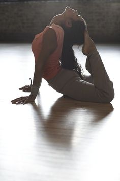 Improving Athletic Performance with Yoga: Modified Cobra Pose Summer is often the time of year when many of us pursue a variety of outdoor athletic activities. #athleticperformance #cobraposes http://www.aurawellnesscenter.com/2014/06/20/improving-athletic-performance-yoga-modified-cobra-pose/