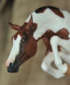 """""""Colors of the Wind"""" - bay tobiano Warmblood stallion, Maggie Bennett """"Hornet"""" resin painted by Elizabeth Bouras / Amarna Productions May 2015, owned by Kay Vance Norris"""