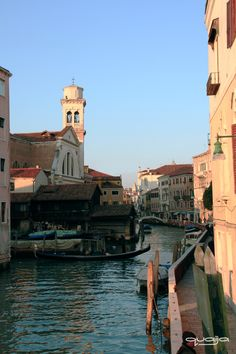 60's pastel colors... Pictures Of Venice, Tower Bridge, Pastel Colors, Travel, Pastel Colours, Viajes, Traveling, Trips, Tourism