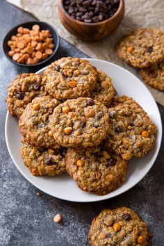 These soft and chewy Magic 5 Cookies have it all! Chocolate chips, coconut, pecans, butterscotch, and oats. Dessert Drinks, Köstliche Desserts, Delicious Desserts, Dessert Recipes, No Bake Cookies, Oatmeal Cookies, Chip Cookies, Chocolate Chip Oatmeal, Chocolate Chips
