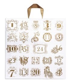 Accessories advent calendar in paper with gold-colored printed motifs. 24 windows, with metal, plastic, and glass accessories in various sizes and designs. Satin ribbon for hanging. Christmas Bags, Christmas Love, H&m Gifts, Cool Gifts, Xmas Pictures, Gifts For Cooks, Birthday List, H&m Online, Gifts For Friends