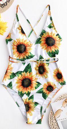ZAFUL Sunflower Print Crisscross One-Piece Swimsuit – idee per costumi da bagno One Piece Swimsuit White, White Swimsuit, One Piece Swimwear, Bikini Swimsuit, Summer Bathing Suits, Girls Bathing Suits, Summer Swimwear, Strand Kaftan, Cute Swimsuits