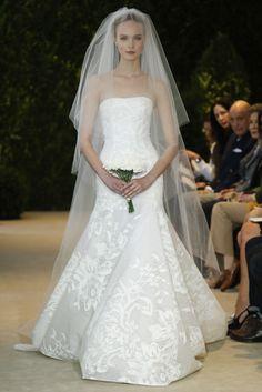 Delicadeza en la colección vestidos de novia Carolina Herrera (SS 2014) #weddingdresses #NYBW