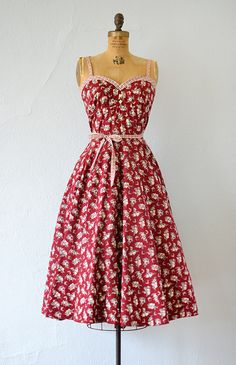 dress vintage maroon floral gunne s - Vintage Summer Dresses, 1970s Dresses, Day Dresses, Dress Vintage, Flapper Dresses, Pretty Outfits, Pretty Dresses, Beautiful Dresses, Cute Outfits