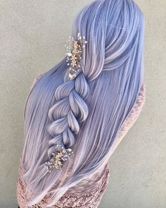 """How gorgeous is this style? """"Princess Diana"""" accessory by @pinkpewter & """"Cloud"""" by @uniwigs. @antestradahair… #hair #haircolor #hairgoals #hairstyles"""
