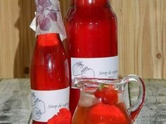 Sirop de capsuni - imagine 1 mare Hot Sauce Bottles, Cooking Recipes, Wine, Drinks, Smoothie, Syrup, Canning, Lemonade, Drinking