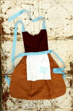 How and where do I get this? ! Cinderella's apron? ! This is one of the most fantastic things I have seen in a while!!