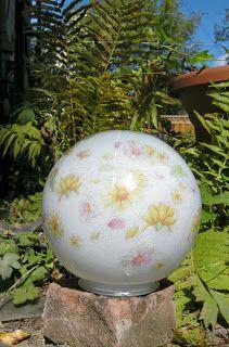 DIY Garden Gazing Ball, Handmade Garden Decor, Garden Crafts, Easy DIY, Garden Ball