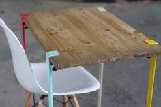 Une belle idée de pieds de table modulables.  Idéale pour réutiliser un vieux plateau, ou pour faire une rallonge de table design  http://my-eco-design.com/pieds-de-table-design-tip-toe/
