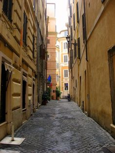 Sleepy side street of Rome