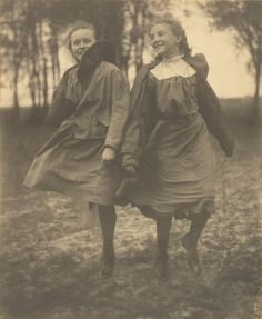 Pure joy and spontaneity. Camera caught them in mid step. Louis Fleckenstein | Tumblr Pastoral (1905) - Louis Fleckenstein