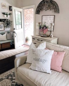 Each summer, toward the end of June, I end up adding red, white, and blue to our home. I am so glad you are joining my patriotic summer home tour. Cottage Front Doors, Cottage Style Decor, Farmhouse Style, Country Style, Cozy Place, Summer Diy, House Tours, Rustic Decor, Decor Styles