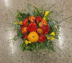 Høst dekorasjon i skål Gul, rød, oransje