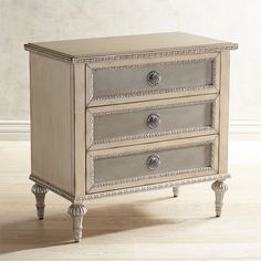 Charlotte 3-Drawer Nightstand White Painting Old Furniture, Dresser Furniture, Refurbished Furniture, Fine Furniture, Upcycled Furniture, Furniture Making, Furniture Makeover, Painted Furniture, Dressers