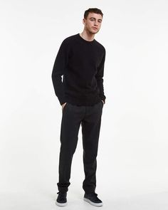 Nathan is a saddle sleeve crew neck, knit in a 100% British wool with a raised surface to appear like Shetland wool, but with a softer finish. Aodan is 188 cm / 6'2 and is wearing a size M Regular fit 100 % British wool