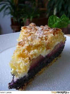 Krehký koláč s makom, tvarohom a slivkami Czech Recipes, Sweet Recipes, Sweet Tooth, Cheesecake, Good Food, Food And Drink, Dessert Recipes, Cooking Recipes, Pie