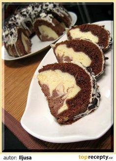 Na přípravu těsta na vále smícháme prosátou mouku, kakao, prášek do peč., moučk. cukr. Přidáme vanilkový cukr, sůl, vejce, tuk a zpracujeme vše v... Czech Desserts, Baking Recipes, Snack Recipes, Yummy Treats, Yummy Food, Best Cake Ever, Bunt Cakes, Czech Recipes, Cake With Cream Cheese