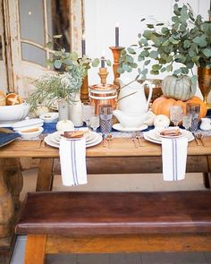 How To Pull a Stunning Thanksgiving Table Together