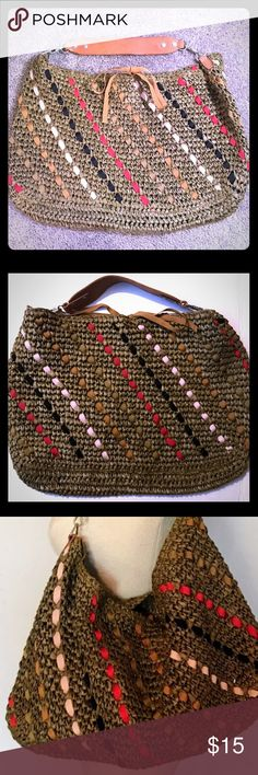 """J. Crew Bahia Straw Raffia Woven Shoulder Bag Tote *** beautiful J. Crew woven straw Shoulder Bag with a leather strap (****leather strap does have a slit in it-- see pictures) multi-color geometric pattern; magnetic snap closure; straw shows a few signs of normal wear ..overall bag is in excellent condition!:) H: 12"""" L: 18"""" J. Crew Bags Shoulder Bags"""