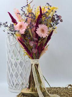 ramo preservado Glass Vase, Home Decor, Home Interiors, Floral Bouquets, Festivus, Wedding Bouquets, Vases, Decoration Home, Room Decor