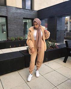 Sweat suits sporty hijab styles – Just Trendy Girls Modest Fashion Hijab, Modern Hijab Fashion, Street Hijab Fashion, Casual Hijab Outfit, Hijab Fashion Inspiration, Islamic Fashion, Muslim Fashion, Modest Outfits Muslim, Fashion Hair
