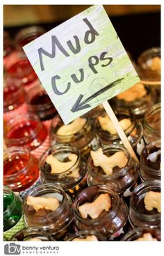 Mud cups (need a better name). Chocolate pudding with animal crackers in mini baby food jars.