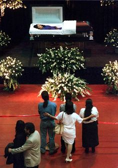 "selena-etc-inc: ""Fans bid their last goodbye to Selena, killed just two days before. """