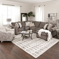 Having small living room can be one of all your problem about decoration home. To solve that, you will create the illusion of a larger space and painting your small living room with bright colors c… Home Living Room, Apartment Decor, Brown Living Room, Trendy Living Rooms, Room Remodeling, Living Room Sectional, Living Room Diy, Livingroom Layout, Farm House Living Room