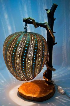 40 Amazing Art Inspired Gourd Lamps – Bored Art – Do It Yourself Decorative Gourds, Hand Painted Gourds, Decorative Items, Luminaire Original, Lampe Decoration, Gourds Birdhouse, Deco Nature, Diy Crafts To Do, Jar Crafts