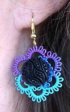 Tatting: Tatted Button Earrings - Free printable pattern