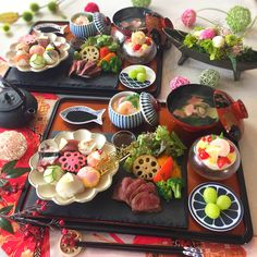 Japanese Sushi, Japanese Dishes, A Food, Food And Drink, Sushi Platter, Modern Food, Tasty, Yummy Food, Exotic Food