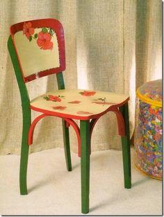 Pintura e decoupagem transformam cadeira antiga | Vila do Artesão
